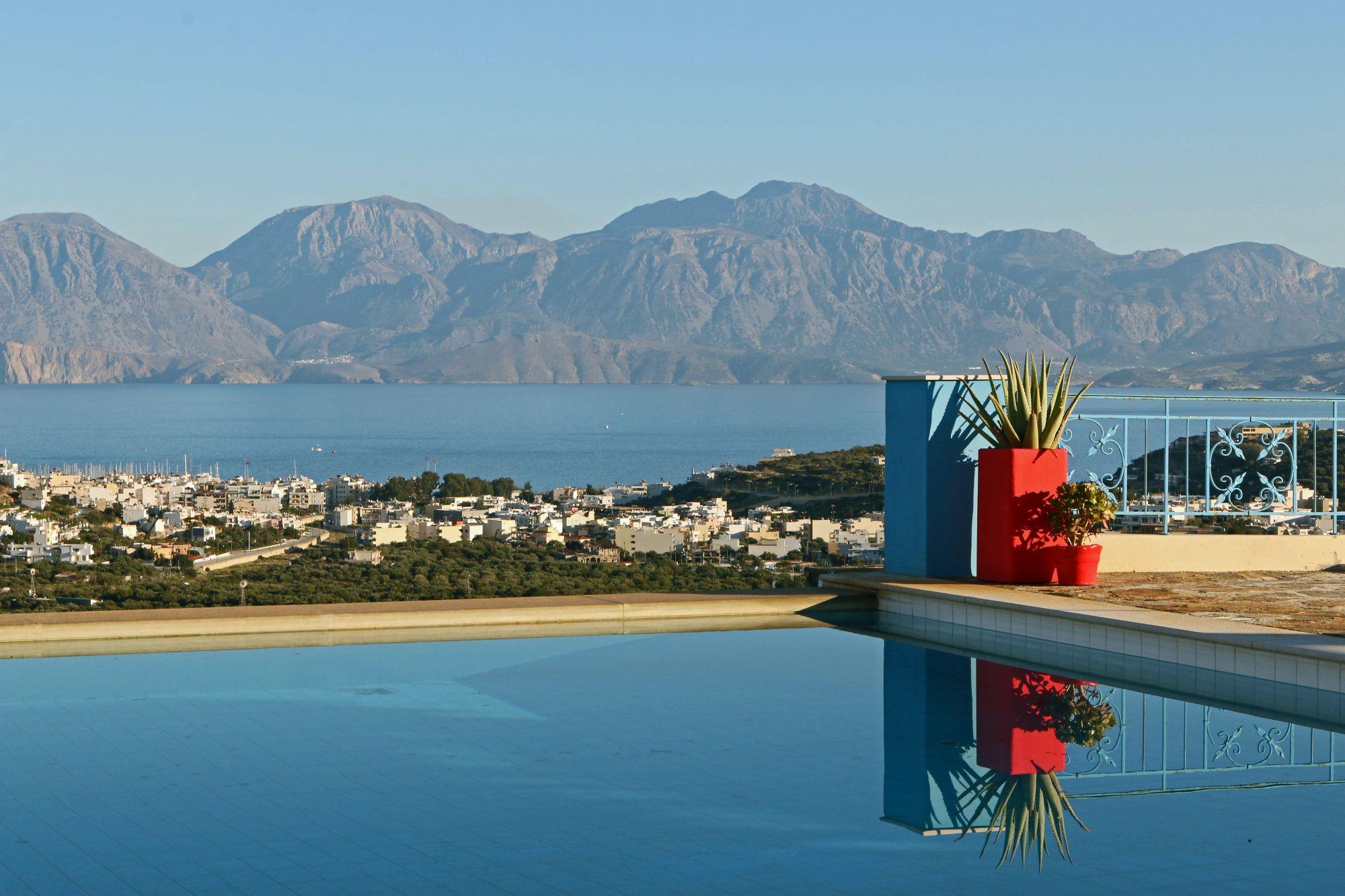 Beautiful 5 bedroom villa for sale. Sea views, Swimming pool.