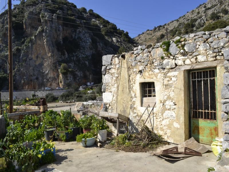 Stone house for renovation with uninterruptable sea, mountain and valley views