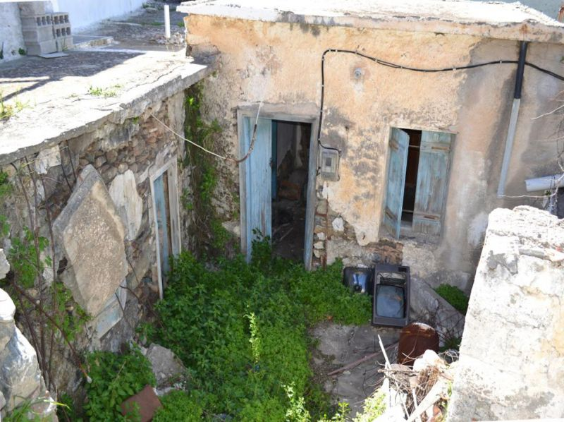 Stone house 100m2, large roof terrace with nice views. Kavousi