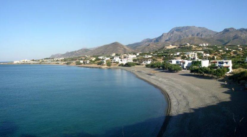 APMAK1 - Kalamokanias Beach in front of the house
