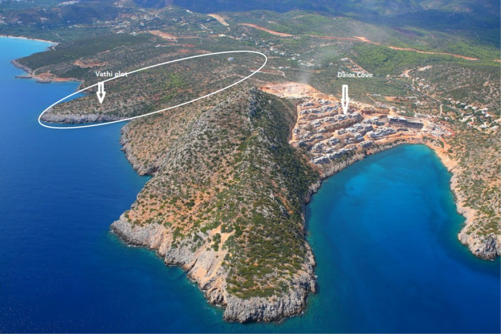 105,000 m2 of hotel building land at the coast of Mirabello