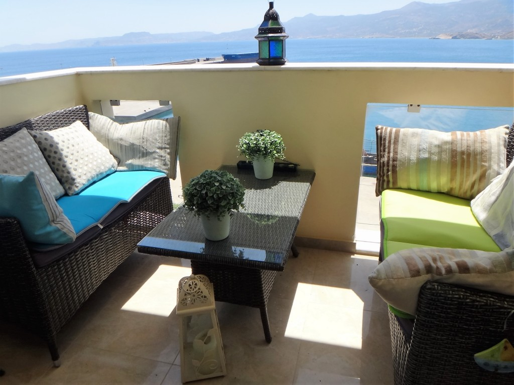 One bedroom high end, top floor, promenade apartment. Sea Views. Furniture and car included.