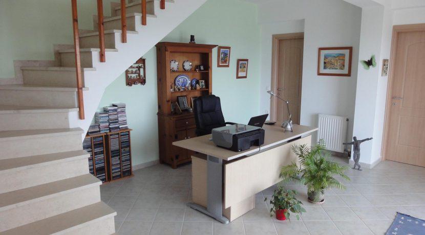 scaled-Hallway 1Y