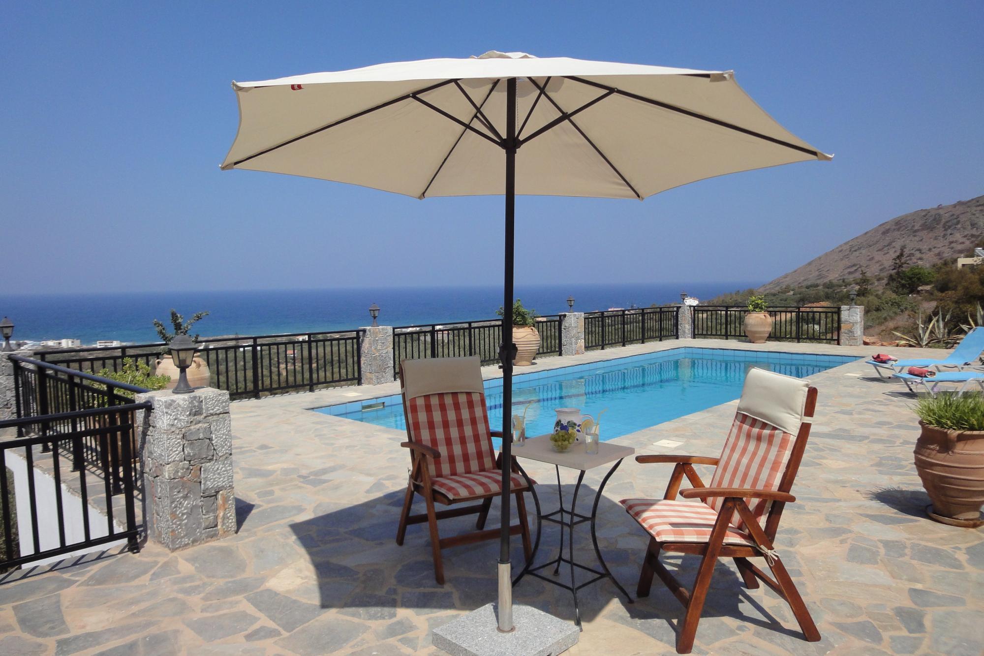 Modern, spacious 3 bedroom villa with beautiful uninterrupted sea views