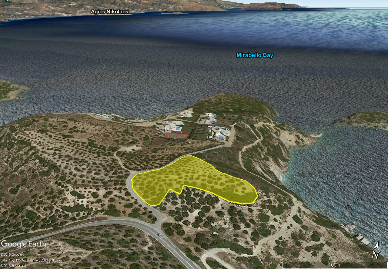 Seaside building land of 6764 m2 in prime location with building permit