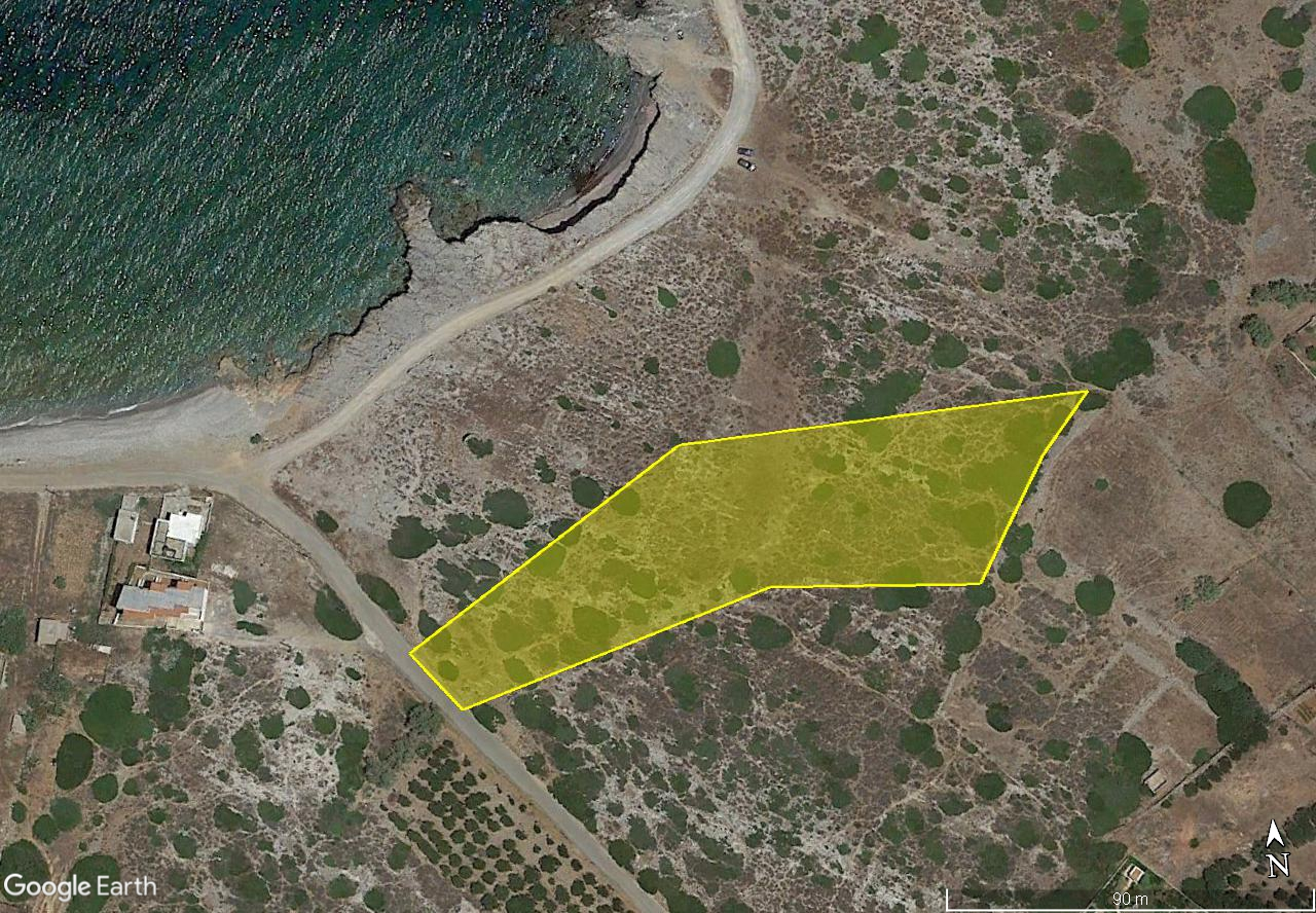 Seaside building plot of 5746 m2 right at the coast of Milatos, Crete