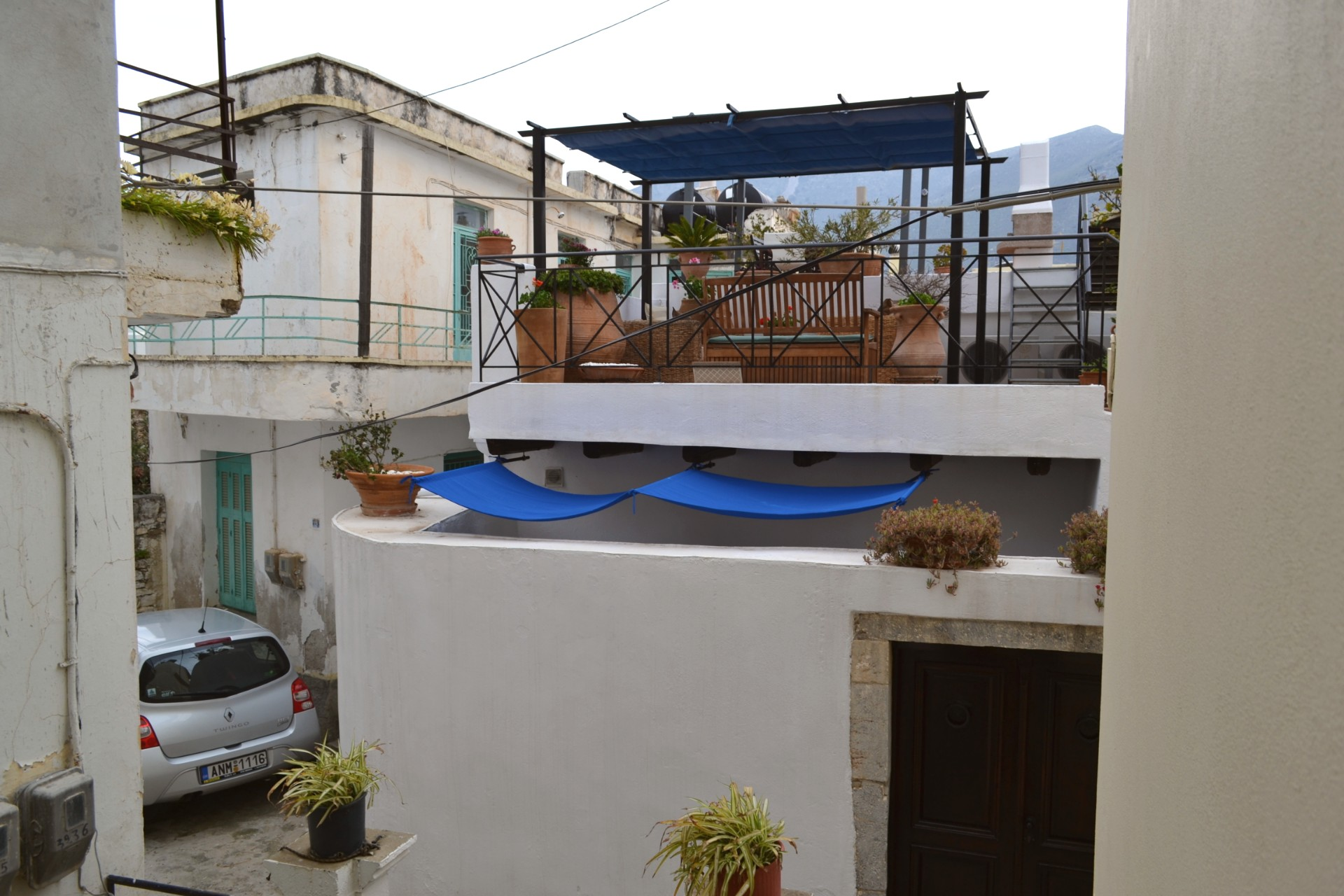 2 bedroom house two minute walk to centre of town. Sold fully furnished.