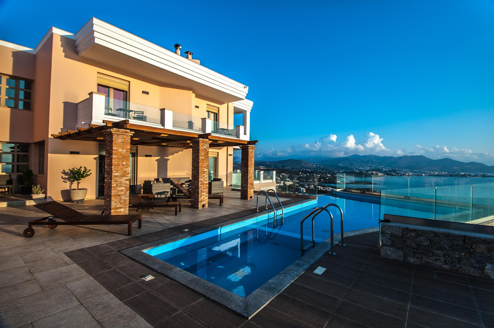 Exclusive 5 bedroom villa with breathtaking views.
