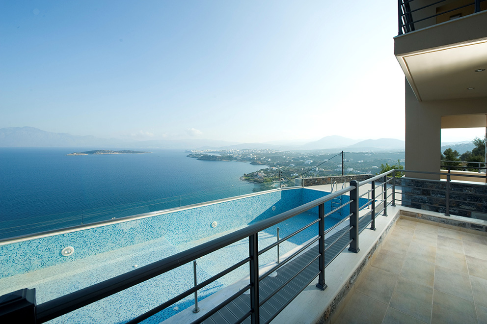 State of the art 4 bedroom villa with stunning sea views and swimming pool