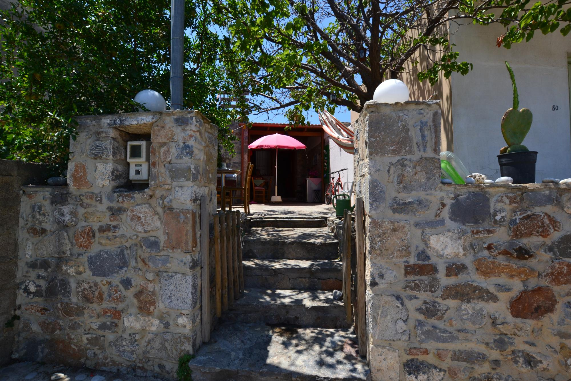 Studio house with large terrace with Sea Views. Sold Furnished.