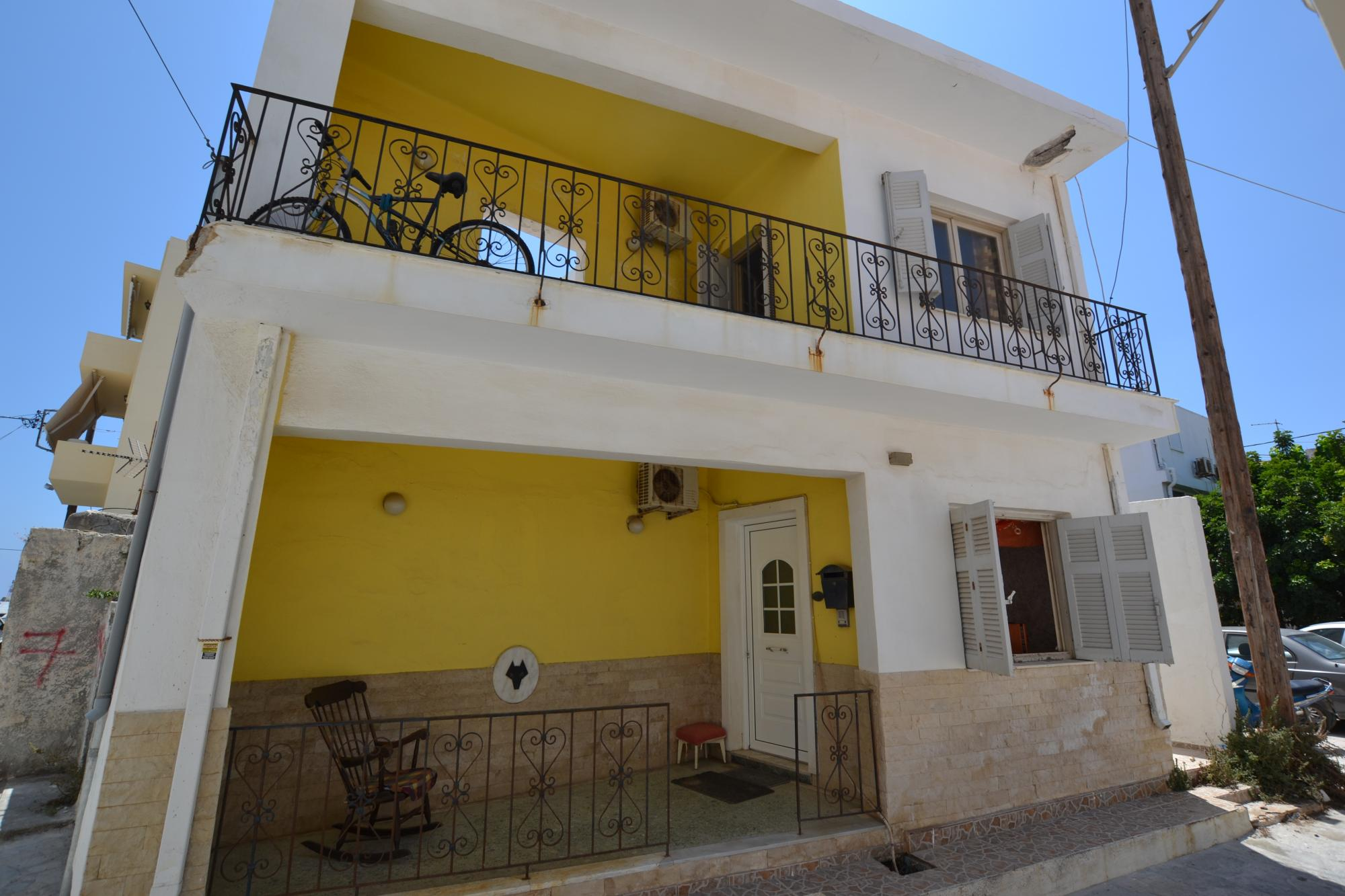 3 bedroom town house, 30 meters from the beach. Ierapetra