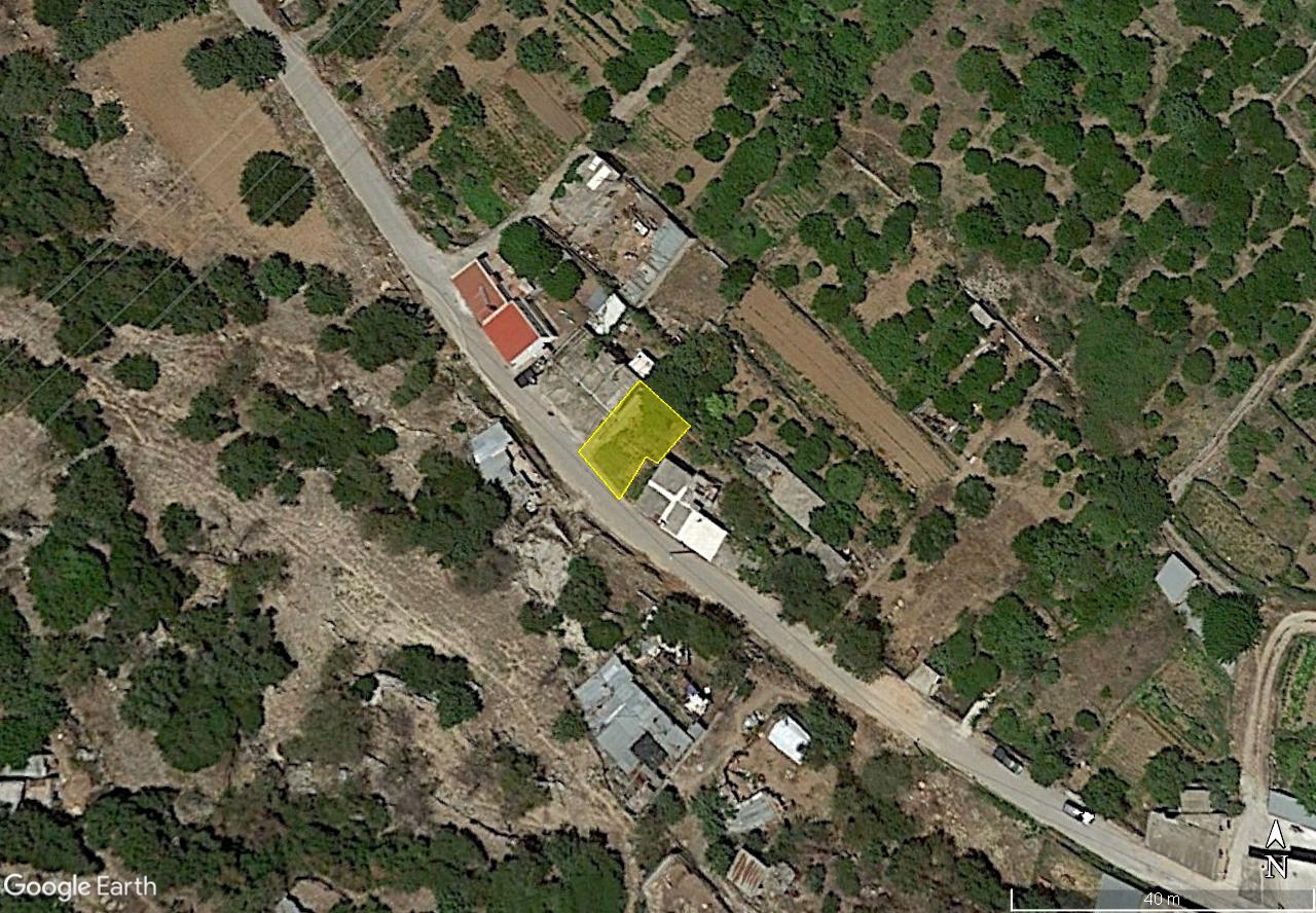 Building plot in Cretan village, close to beaches