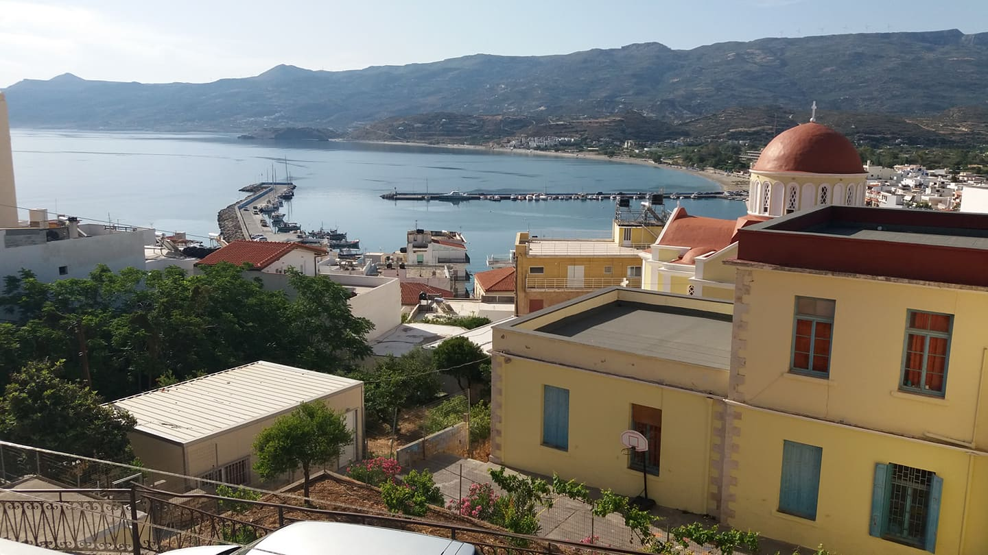 Modern, two bedroom apartment with great sea views. Sitia