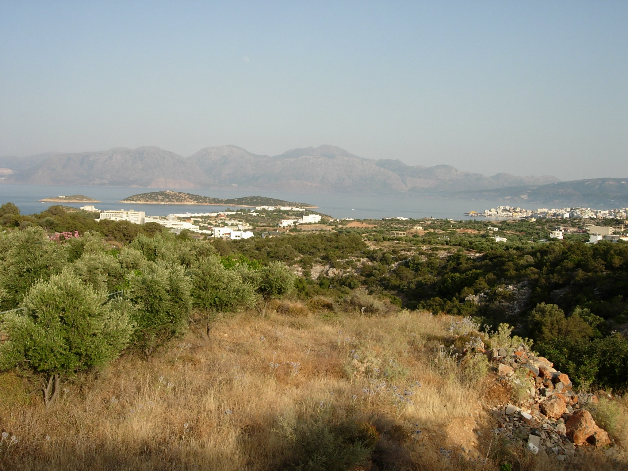 Seaview building land, 4101 m2, in the outskirts of Agios Nikolaos