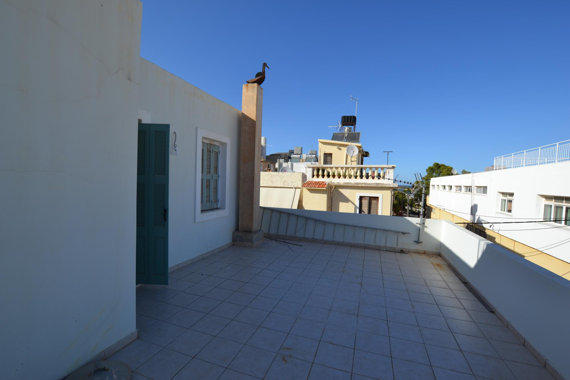 Two bed central maisonette apartment with large roof terrace.