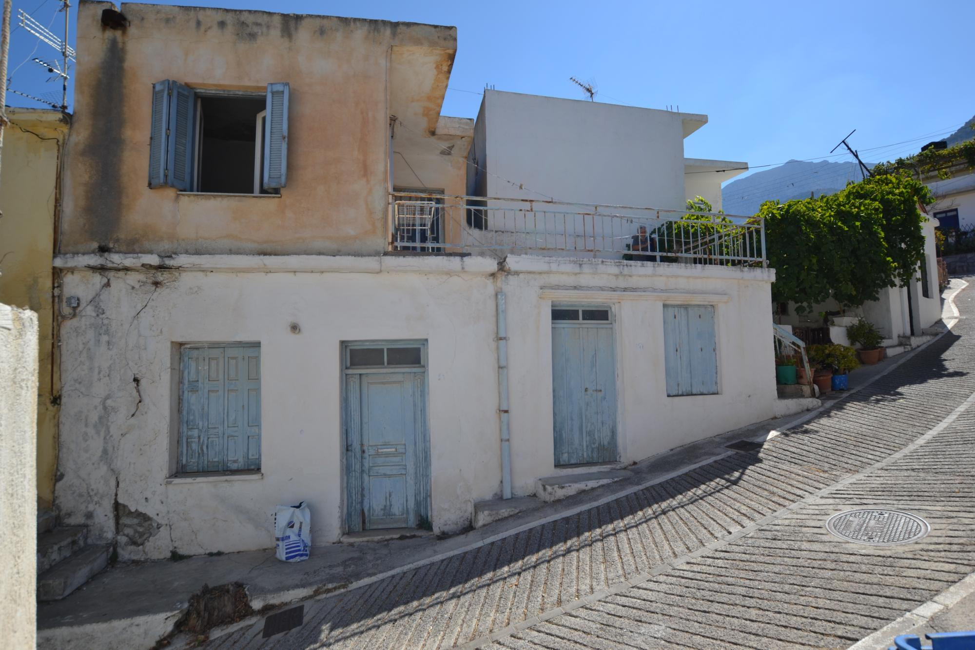 Large house for renovation in the center of the village of Kavousi.
