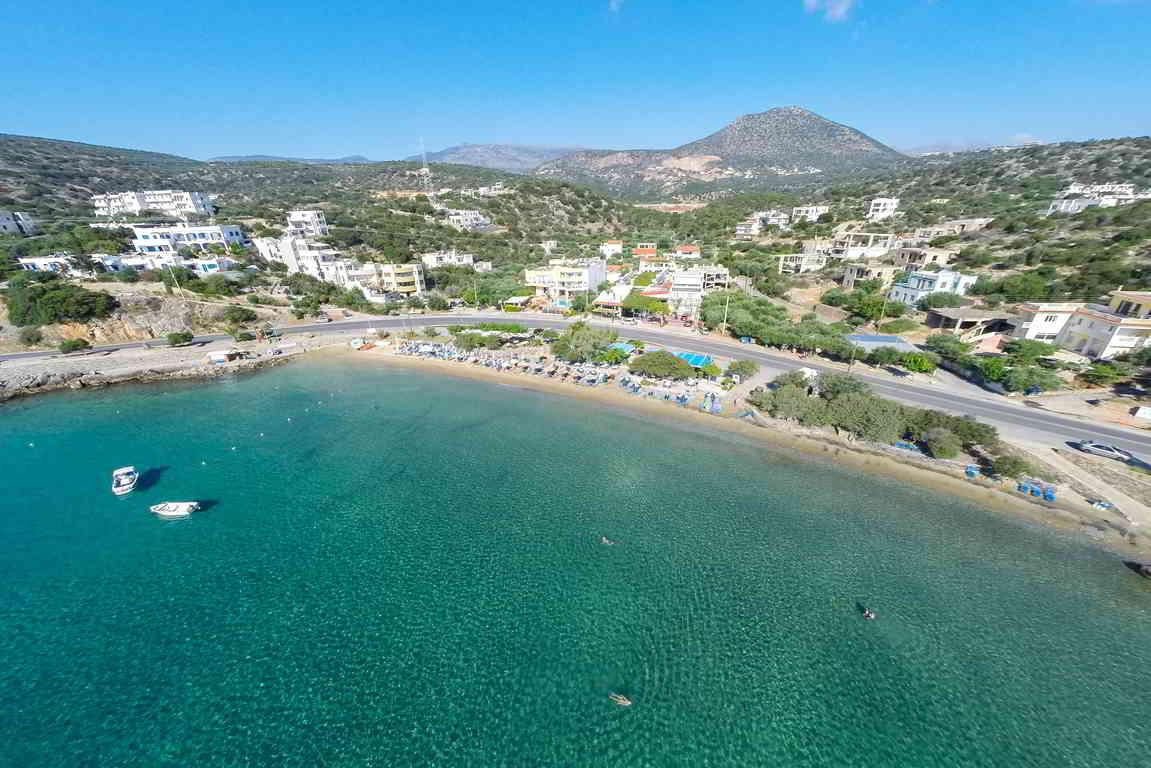 Building plot near Agios Nikolaos and sandy beaches