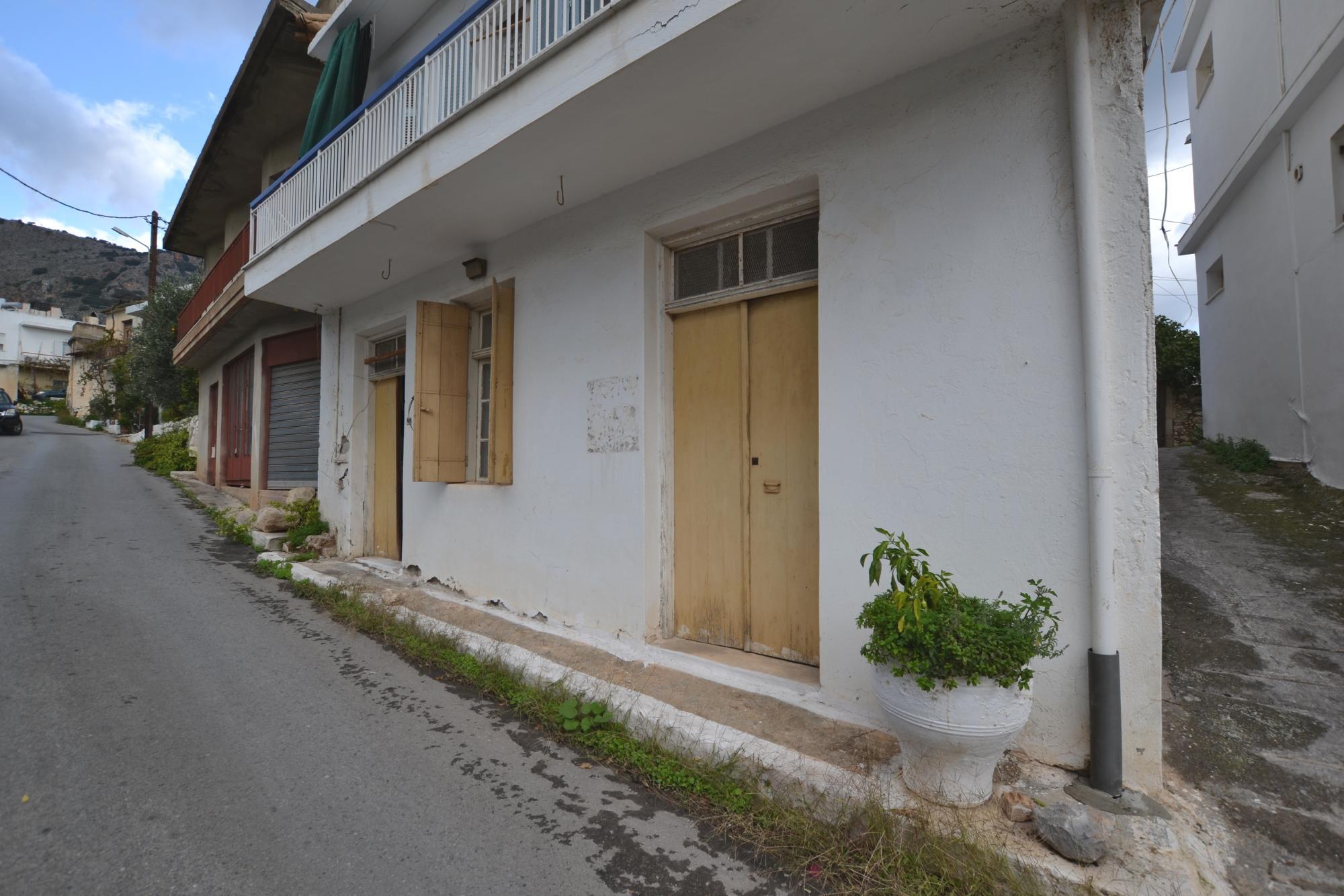 Spacious ground floor apartment, in village centre. Kritsa