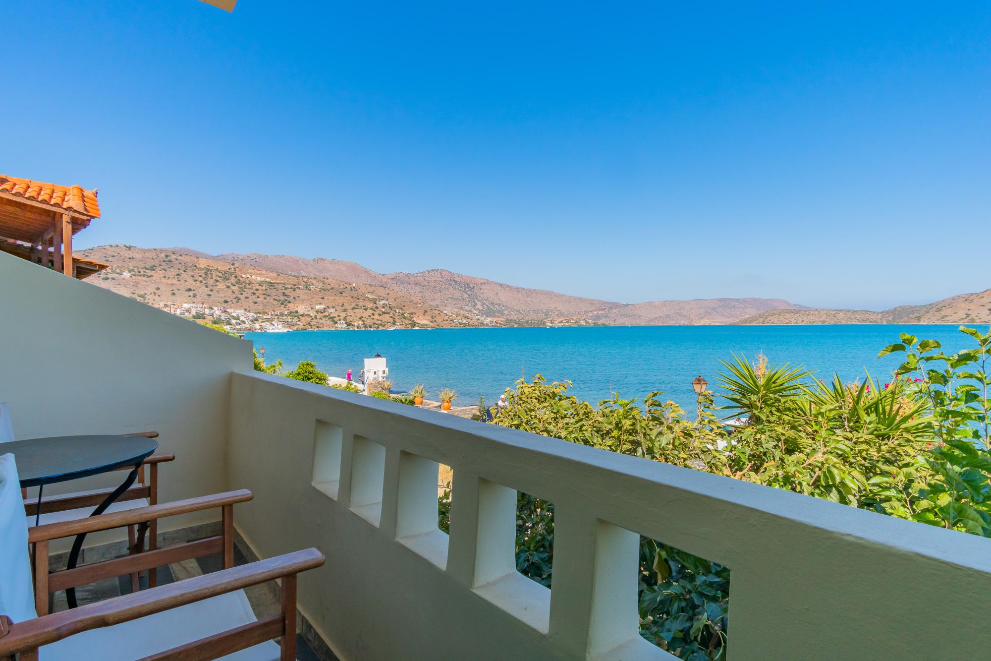 8 apartments and a tavern for sale, in prestige location. Elounda