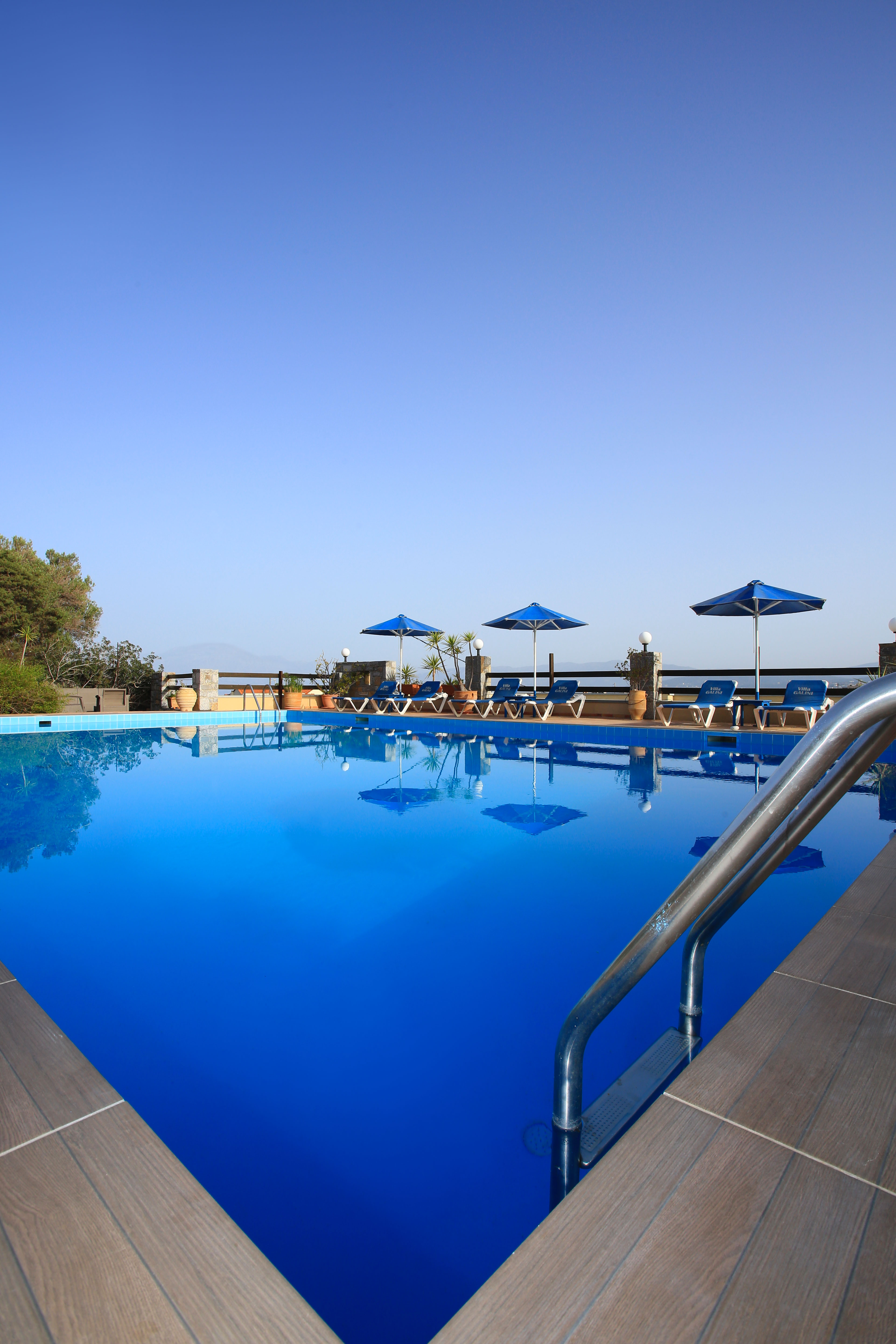 Beautiful hotel complex in desired location. Sea views and pool.