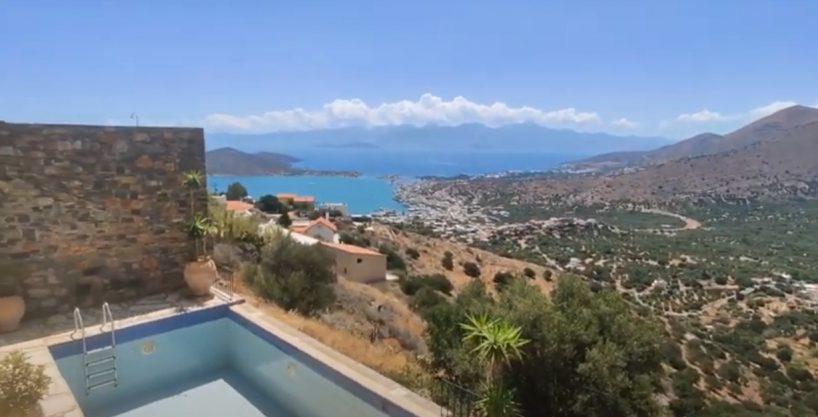 4 Bedroom villa overlooking the beautiful bay of Elounda