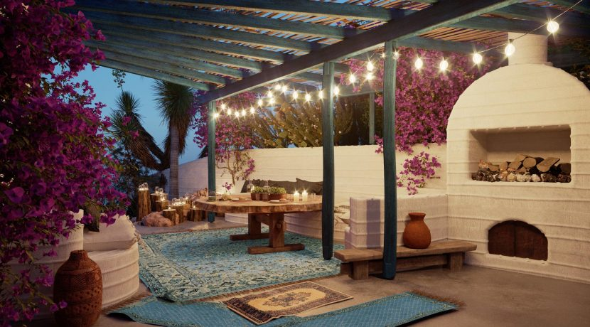 HMOCH23scaled-Outdoor livingroom & barbecue